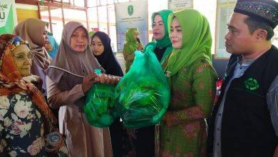 Photo of PCNU Kutim Sentuh Janda Kurang Mampu