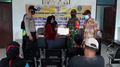 Photo of Pendampingan Babinsa Menyalurkan Bantuan Langsung Tunai Dampak Covid -19.