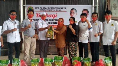 Photo of DPD Partai Berkarya Kutim Bagikan Ratusan Paket Sembako Kepada Kader Terdampak Covid-19