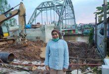 Photo of Siti Rizky Amalia Tinjau Pembangunan Jembatan Penghubung Sangatta Utara – Sangatta Selatan