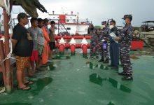 Photo of Posal Sangkulirang Sosialisasikan PPKM Berbasis Mikro Di Pelabuhan Maloy
