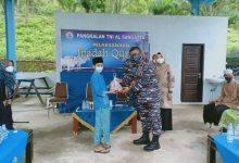 Photo of Lanal Sangatta Potong 6 Sapi 3 Kambing, Berbagi Dengan Masyarakat Pesisir Hingga Anak-Anak Disabilitas