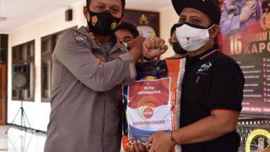 Photo of Polres Kutim Berikan Bantuan Kepada Pedagang Kaki Lima