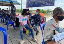 Photo of Masyarakat Muara Bengalon Dapat Suntikan Vaksinasi Dari TNI AL
