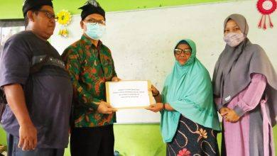 Photo of Paguyuban Ikawangi Kutim Salurkan Bantuan Kepada Ponpes Daarus Shollah